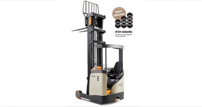 ESR 1000 Reach Truck'a IFOY 2020'nin En İyi Forklifti Ödülü