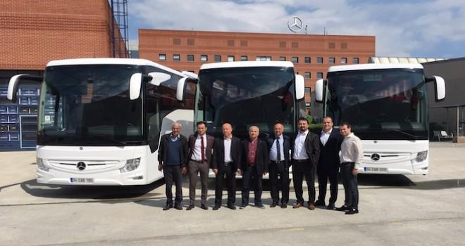 Mercedes-Benz Türk'ten 3 firmaya 6 adet Tourismo