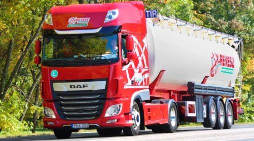 DAF'tan 400 adetlik dev Yeni CF ve XF teslimatı
