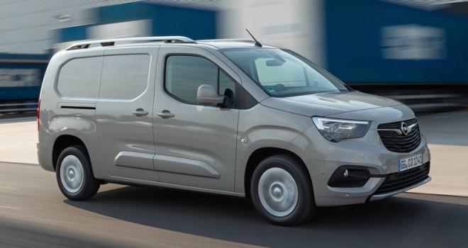 Yeni Opel Combo'ya 2019 Uluslararası Yılın Ticari Aracı Ödülü