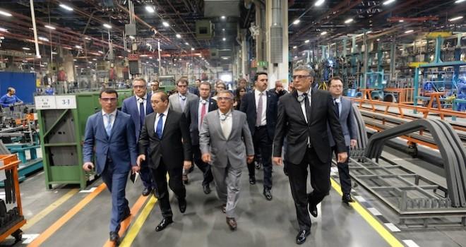 Tataristan Cumhurbaşkanı Mercedes-Benz Türk Hoşdere Otobüs Fabrikası'nı ziyaret etti