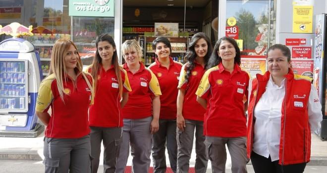 Ankara'daki Shell akaryakıt istasyonlarında 86 kadın çalışan işbaşı yaptı