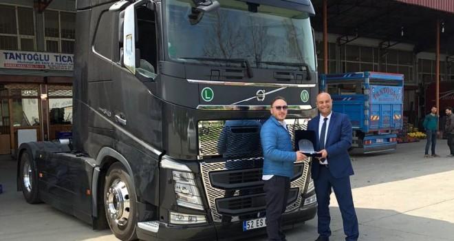 İlk Volvo Trucks'ını aldı