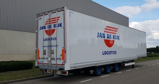 Tırsan'dan Hollandalı Jan de Rijk Logistics'e 26 adet hava kargo aracı