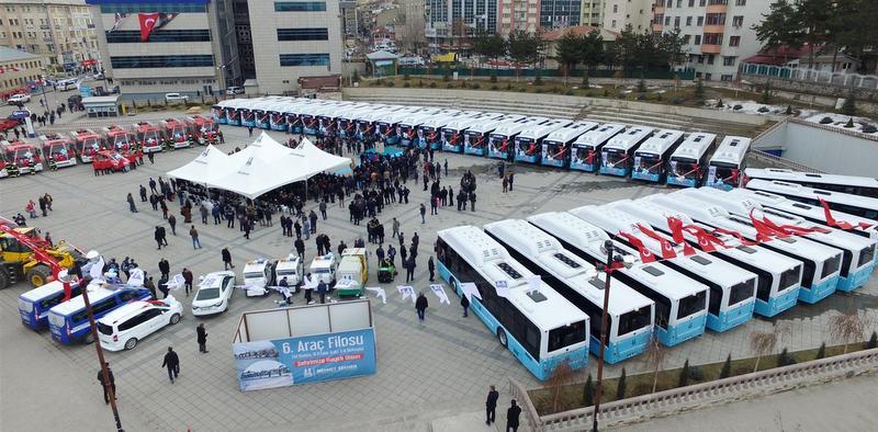 Erzurum'a 30'u CNG'li 40 adet otobüs teslim etti