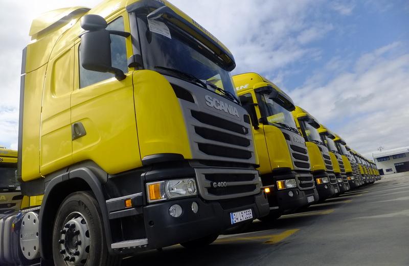 6 ayda 1555 adet kamyon sattı