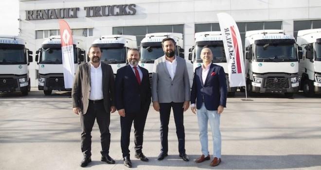 Filosuna 10 adet Renault Trucks T460 çekici katarak araç sayısını 120'ye yükseltti