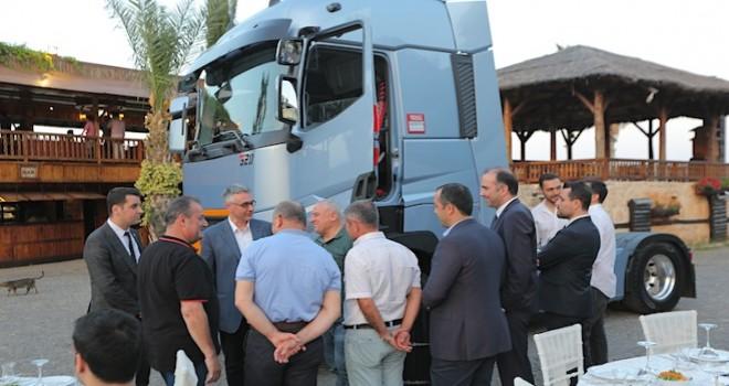Renault Trucks 2019 model T 520 yüksek kabin Mersinli lojistikçiler ile buluştu