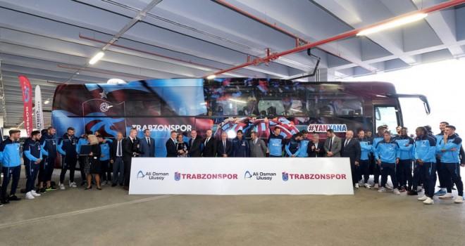Trabzonspor'un takım otobüs yeni Tourismo 15 RHD teslim edildi