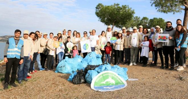 Aras Kargo çalışanları Türkiye'nin kıyılarını temizliyor