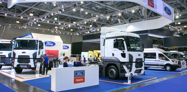 Ford Trucks, yeni inşaat ve çekici serisini Moskova'da tanıttı