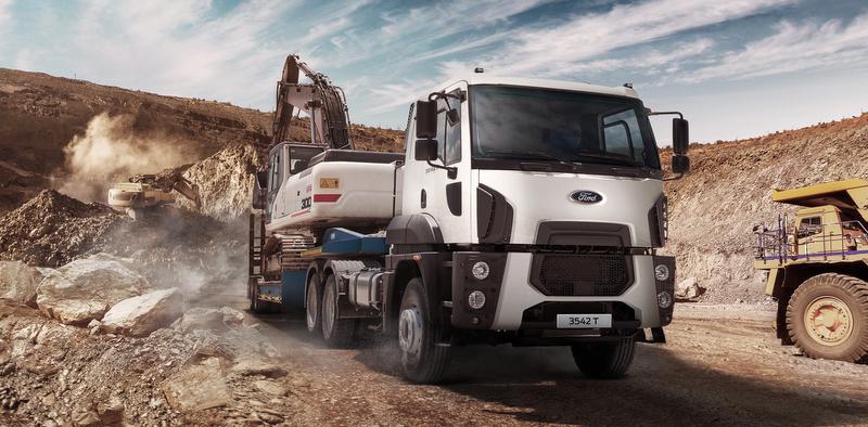 Ford Trucks'ın yeni 6x4 çekici modeli 3542T yola çıktı