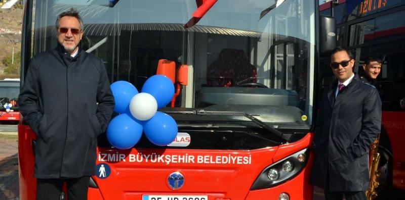 """""""Günde ortalama 800 bin kişi taşıyoruz, bu otobüsler İzmir'e yakışıyor"""""""