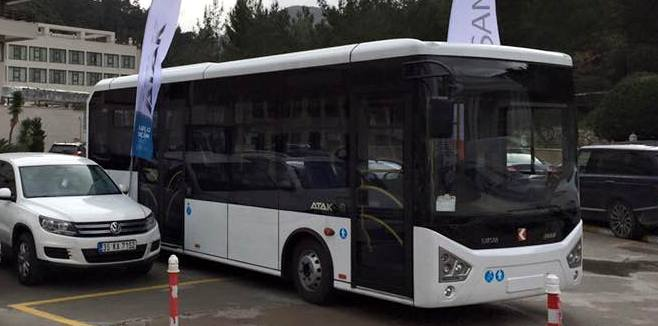 Karsan, Atak otobüsünü Belediye Başkanları Zirvesi'nde sergiledi