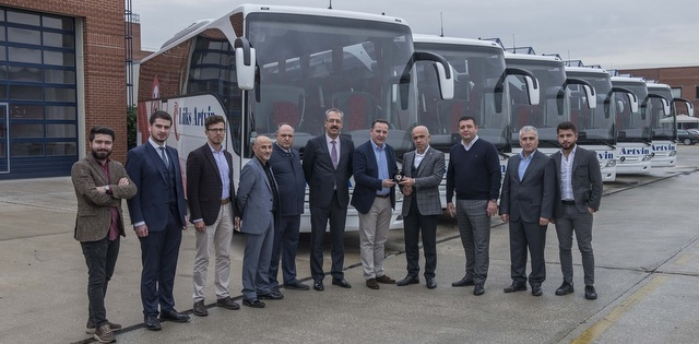 Lüks Artvin Seyahat filosuna 6 adet Tourismo kattı
