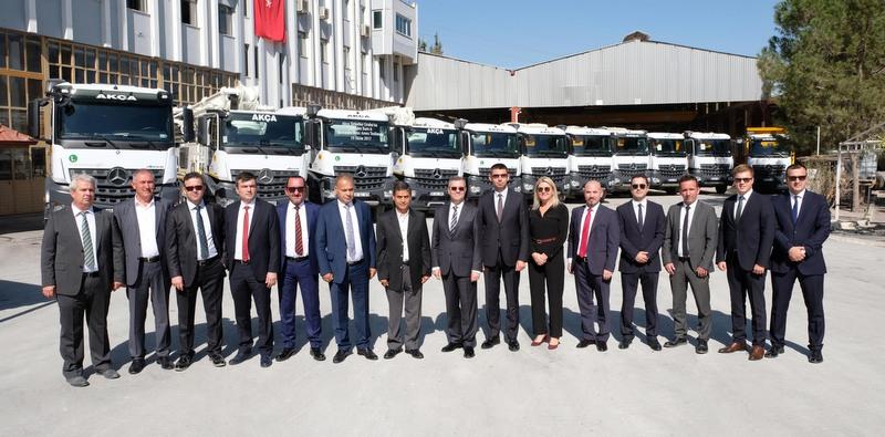 Mercedes-Benz Türk, Denizlili şirketlere 125 adet Arocs teslim etti