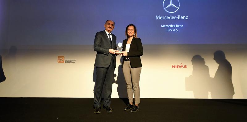 """Mercedes-Benz Türk""""e """"Çalışma Hayatında Toplumsal Cinsiyet Eşitliği Ödülü"""""""