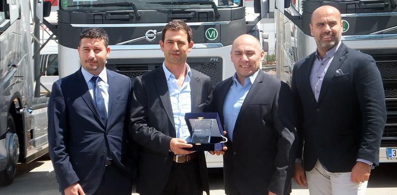 Mersinli frigo taşımacısına 40 adet Volvo Trucks  teslim etti