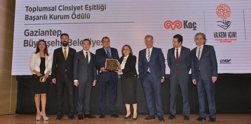 Otokar, Toplumsal Cinsiyet Eşitliği Ödülü'nün dördüncüsünü Fatma Şahin'e verdi