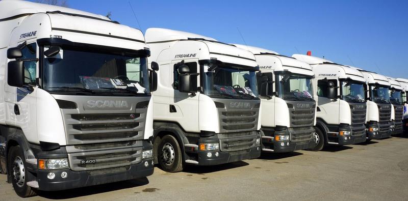 Scania'dan 2 firmaya 18 adet çekici