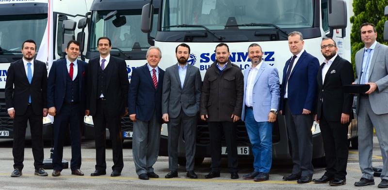 Son teslimatla filosunda 111 adet Renault Trucks çekici oldu