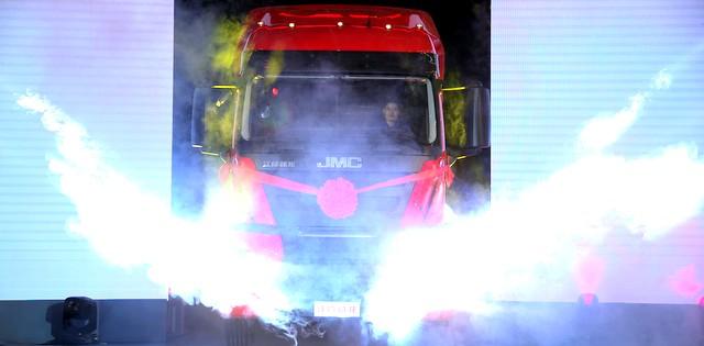 Türk mühendislerinin geliştirdiği Ecotorq motorlu kamyon Çin'de yola çıkıyor
