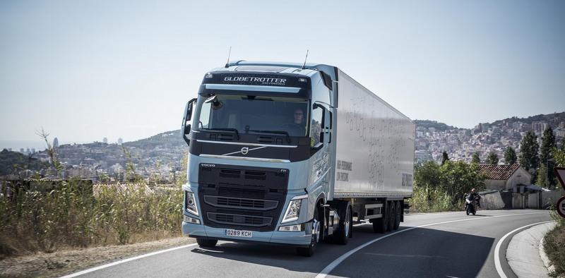 """Volvo Trucks'a """"2018 Yılının Sürdürülebilir Kamyonu"""" ödülü"""