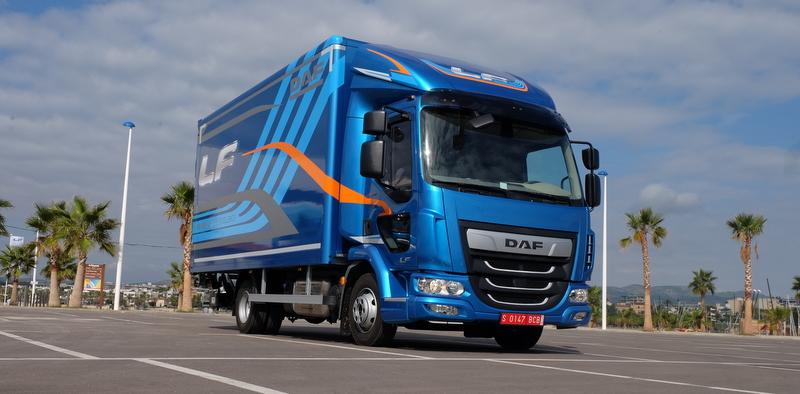 Yenilenen dağıtım kamyonu DAF LF tanıtıldı