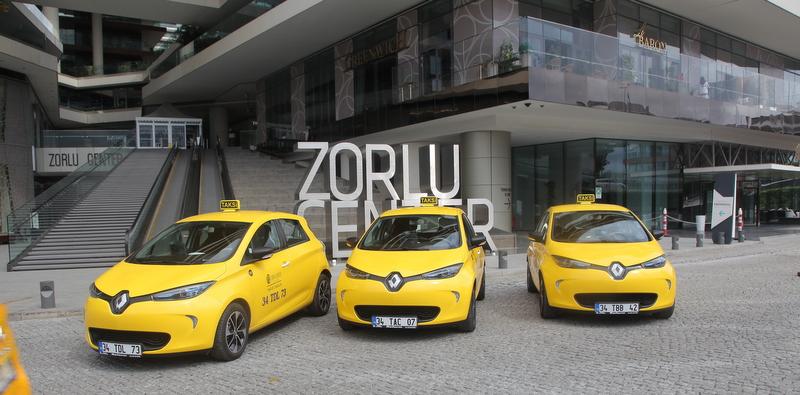 Zorlu Center'da elektrikli taksi dönemi!