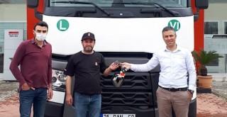 Dörtler Taşımacılık Ali Zehir Nakliyat'ın filosuna Renault Trucks T 460 teslim edildi