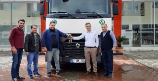 Nazkılınç Nakliyat'a Renault Trucks T460 çekici teslim edildi