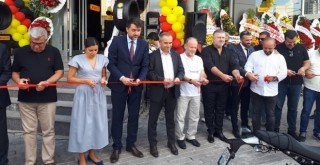 Pirelli yetkili satıcısı Apaydın Lastik Otomotiv, Ataşehir'de yeni noktasını hizmete açtı